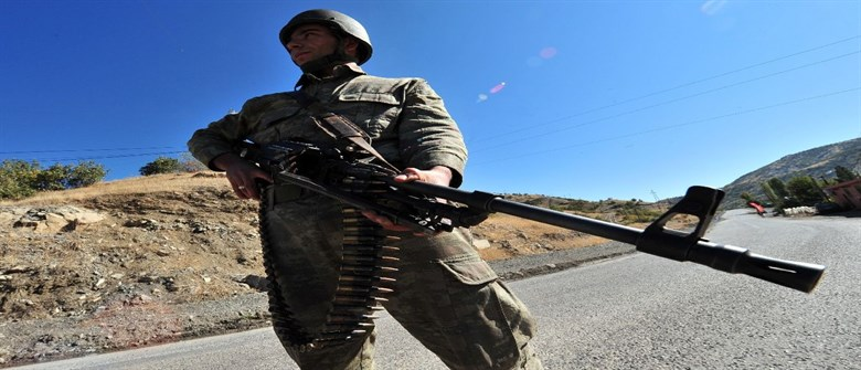 Turkey 'may launch ground operation in Iraq if threatened'