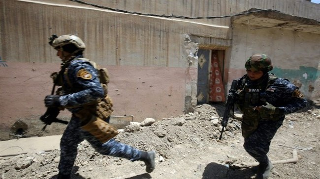 Iraqi forces push into Mosul Old City, warn Daesh to 'surrender or die'