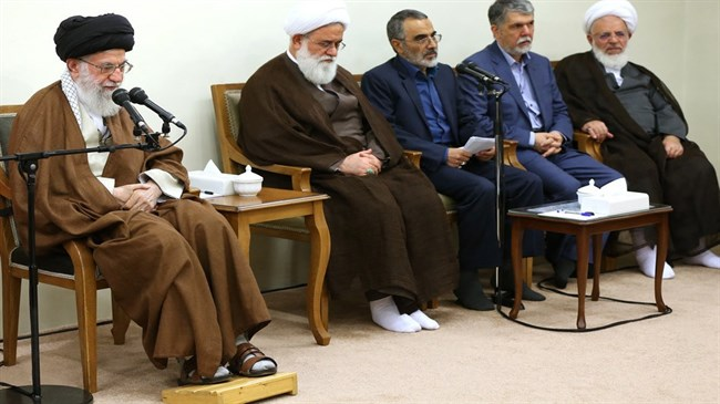 Leader receives organizers of Mostafa Khomeini Congress