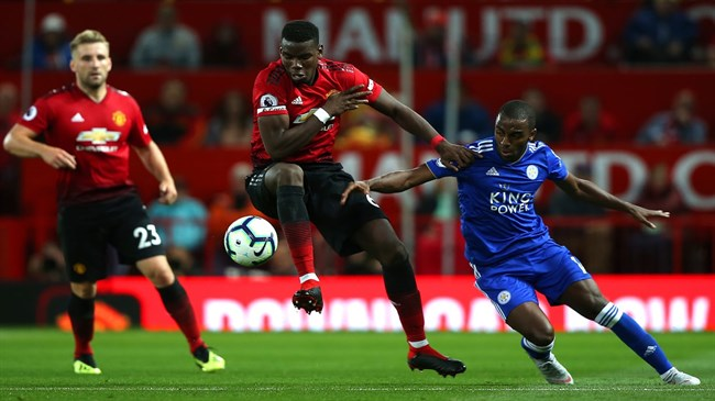Mourinho hails 'monster' Pogba after league opener