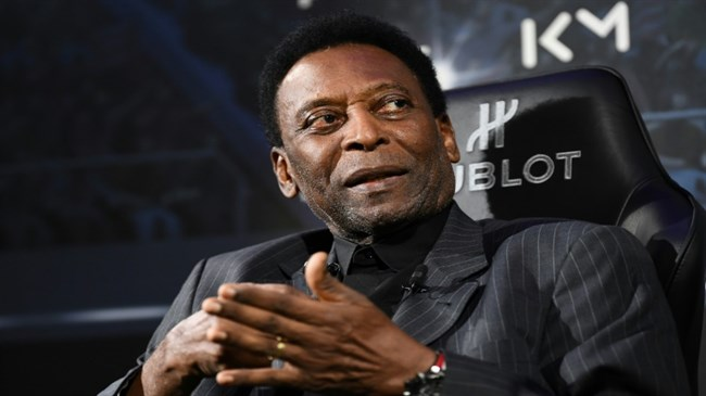 Pele back in Brazil after hospital stay in France