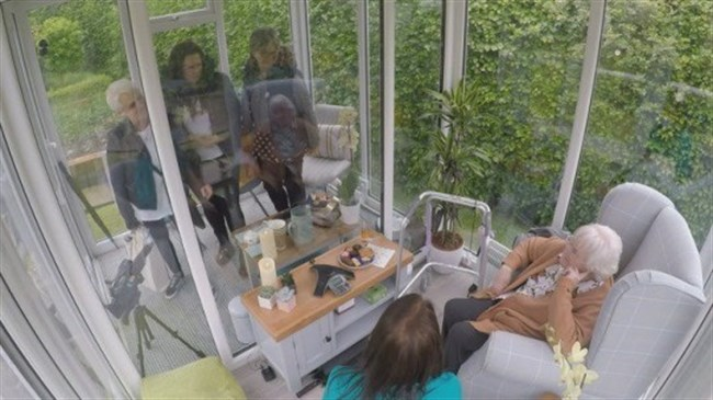 Care home installs glass pods so residents can see family and friends