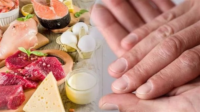 The sign in your fingernails you could lack vitamin B12