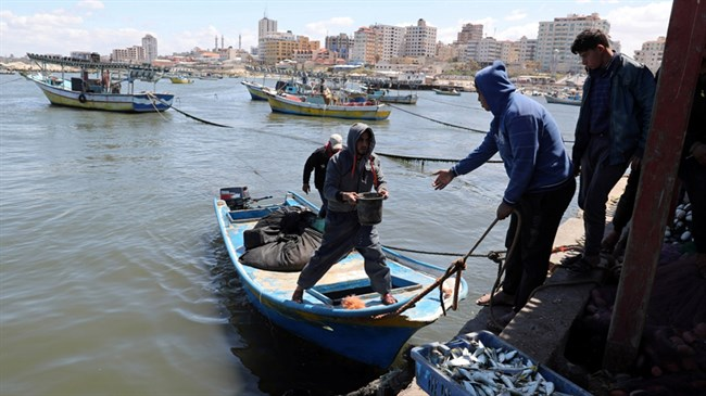 Palestinians hold funeral for Gaza fishermen killed by Egyptian fire