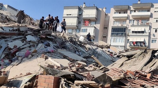 Zarif sympathizes with Turkish counterpart over deadly earthquake