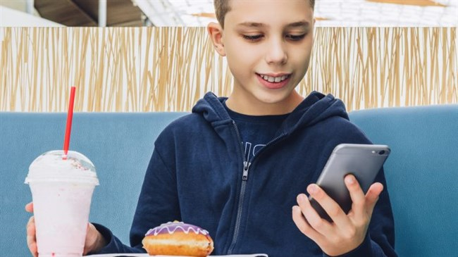 Excessive social media use linked to binge eating in US preteens