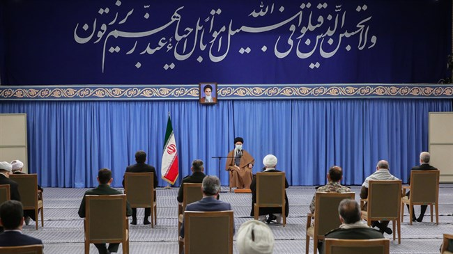 Leader: Martyrs should serve as role models for Iran's youth