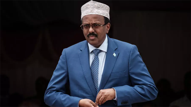 Somali president signs law extending mandate for two years