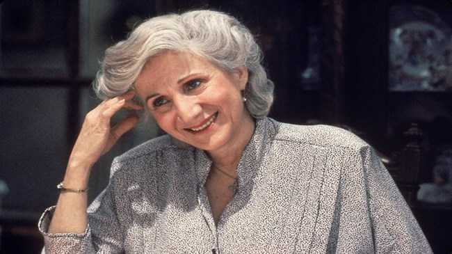 Oscar-winning actress Olympia Dukakis dies at 89